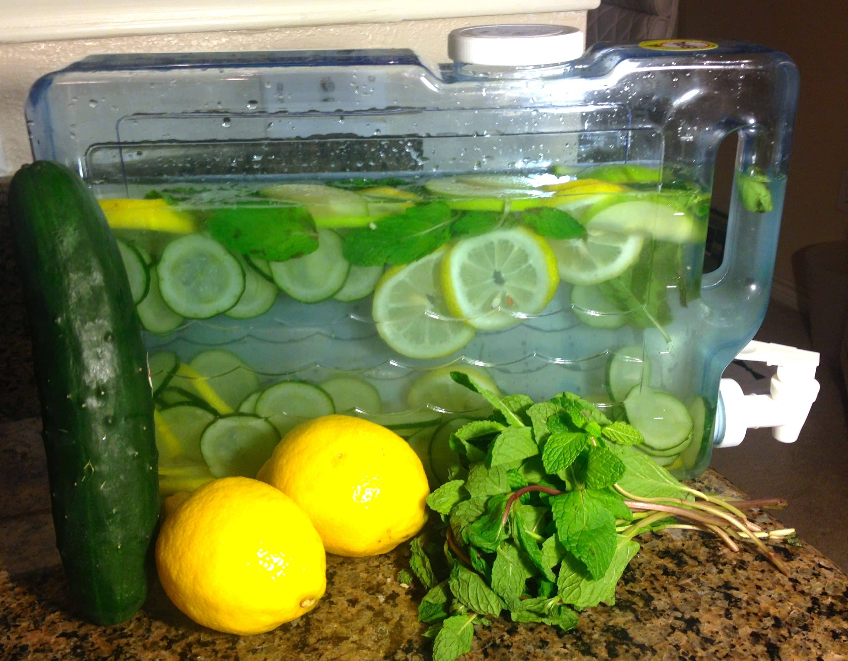 detox-water-for-flat-belly